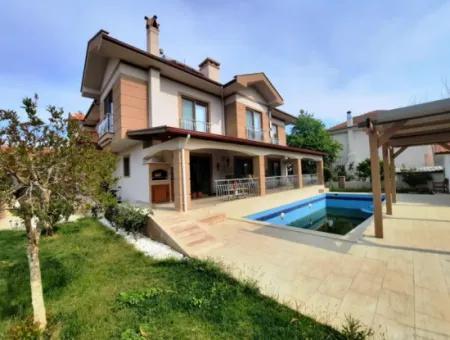 Muğla Dalyanda Satılık Yüzme Havuzlu Lüks Villa